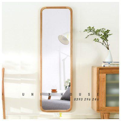 Gương đứng viền gỗ