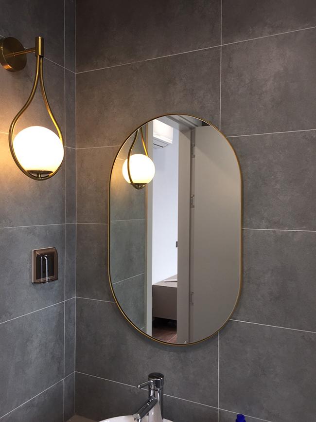Gương nhà tắm Oval viền inox mạ vàng